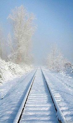 beautiful train tracks for those who love trains ♥ Winter Szenen, Winter Love, Winter Magic, Winter Christmas, Prim Christmas, Blue Christmas, Winter White, Trains, Snow Scenes