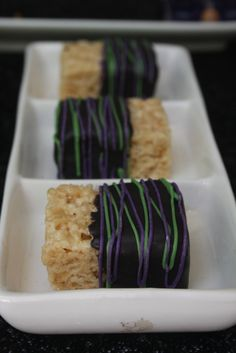 """Disney """"Descendants"""" or Villain party foods - Maleficent dipped rice crispy… 9th Birthday Parties, Birthday Fun, Birthday Ideas, 21st Party, Mickey Birthday, Rice Krispies, Maleficent Birthday Party, Sleeping Beauty Party, Villains Party"""