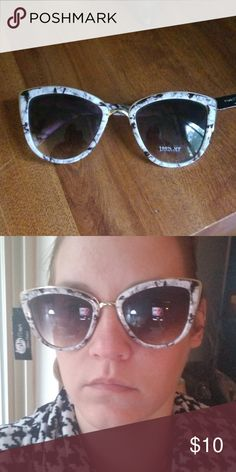fdf389a211 Marble cat eye sunglasses 😎 These sunglasses are NWT! 👓 100% UV Protection