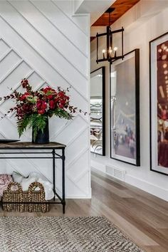 Best Modern Entry Design Ideas - Living Room - Info Virals - New Fashion and Home Design around the World Modern House Design, Modern Interior Design, Modern Decor, Contemporary Decor, Luxury Interior, Welding Table, Style At Home, Entryway Decor, Entryway Tables