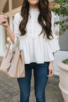 White Tops for Spring - outfits , White Tops for Spring Source by SomethingDelightful. Spring Summer Fashion, Spring Outfits, Spring Dresses, Spring Clothes, Style Summer, Estilo Jeans, Cooler Look, Looks Black, Creation Couture