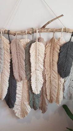 Newest Photographs Macrame diy plume Style Feather wall macrame hanging Etsy Macrame, Macrame Art, Macrame Projects, Macrame Mirror, Macrame Curtain, Micro Macrame, Sewing Projects, Macrame Wall Hanging Patterns, Macrame Patterns