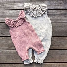 Free Knitting Pattern for Rudolph Baby Onesie – Adorable Christmas romper with r… – Cute Adorable Baby Outfits Baby Knitting Patterns, Knitting For Kids, Knitting Projects, Start Knitting, Sewing Patterns, Baby Girl Romper, Baby Girl Newborn, Ruffle Romper, Ruffle Collar