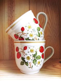 Vintage strawberries n' Cream mugs