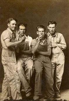 4 men gay interest mike disfarmer overalls farmers rural - 1940s group affectionate buddies friends hug play around horse around http://bloodisthenewblack.com/wp/wp-content/uploads/2012/06/heber-springs-portraits-1939-1946-drinking-buddies.jpg