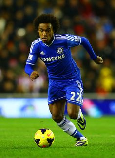 Willian of Chelsea FC, rapidly improving, midfielder, Brazil, speed and change of direction.