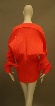 Issey Miyake 1991 Met Collection- back