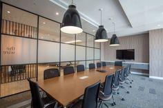 Boardroom Photographs – Love That Design – Modern Corporate Office Design Corporate Office Design, Office Space Design, Modern Office Design, Corporate Offices, Office Designs, Office Party Decorations, Office Decor, Desk Office, Basement Office
