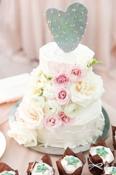 Discover this blush pink garden wedding to give you inspiration for your wedding ideas at Weddings Inc. Beautiful in pink, with a sparkling garden theme.