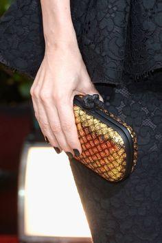 Best Accessories from the 2014 Golden Globes: Leslie Mann's Bottega Veneta box clutch