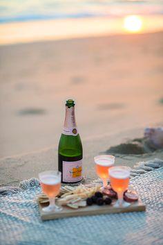 beach happy hour picnic.