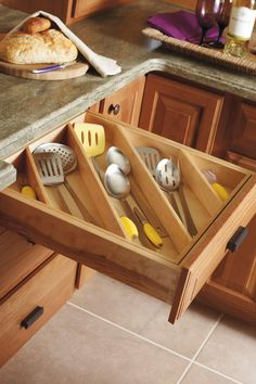 Cooking Utensil Divider - Diamond Cabinetry