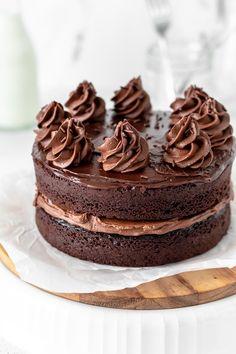 Choclate Cake Recipe, No Bake Chocolate Cake, Chocolate Strawberry Cake, Dark Chocolate Cakes, Chocolate Desserts, Chocolate Lovers, Mini Cakes, Cupcake Cakes, Cupcakes