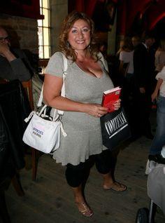 Halina Pawlovská se umí nosit. Nemá tolika šarmu, ale o to více se má ráda. A tak jí skoro vše, co si vezme na sebe, sluší....o) Sexy Older Women, Boobs, Plus Size, Plus Size Clothing
