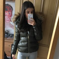 ZARA woman khaki shiny puffer down jacket In perfect condition hardly been worn 💚 paid asking for open to offers. Puffer Jackets, Winter Jackets, Zara Women, Fur Trim, Green And Brown, Winter Coat, Parka, New Look, Jackets For Women