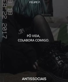 Faz uma colaboraçãozinha... Anti Social, My Heart Hurts, It Hurts, Tired Of Being Alone, Heartbroken Quotes, Feeling Lonely, Sad Girl, Sad Quotes, Texts