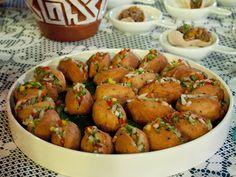Miniacarajés com saladinha