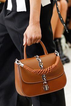129 самых красивых сумок Недели моды в Париже | Мода | Выбор VOGUE | VOGUE