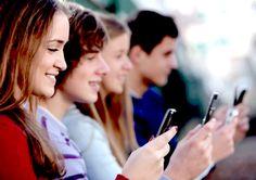 CUANTAS VECES NOS PODEMOS EQUIVOCAR: Marcela Momberg comparte con nosotros su visión –como docente– de la restricción del uso de móviles en Francia.