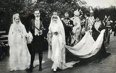 The wedding of King Manuel II of Portugal to Princess Agusta Victoria (his cousin), on September Royal Wedding Gowns, Royal Weddings, Portuguese Royal Family, History Of Portugal, Casa Real, Falling Kingdoms, Royal Brides, Edwardian Fashion, King Queen