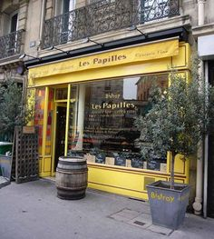 top 5 restaurants in Paris. Located in the heart of a famous parisian area near the Luxembourg garden and the famous Pantheon, our Bistroy... Les Papilles serving gourmet French terroir cuisine in the cosy atmosphere of a wine cellar and a fine oldstyle grocery