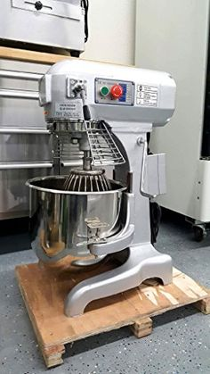 Planetary Mixer 3 Speed Commercial 20 QT w/ 3 Attachments Commercial Kitchen Design, Commercial Kitchen Equipment, Home Bakery Business, Baking Business, Baking Items, Baking Supplies, Cake Supplies, Baking Storage, Restaurant Kitchen Design