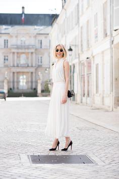 Chanel mini flap bag - Andiata white skirt - summer fashion - all white