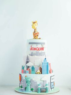 cottontail cake studio   New York Themed Cake   Giraffe   City   Statue of Liberty