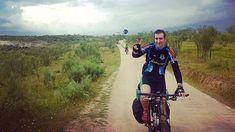"""Semana Santa de 2011...estos días recordamos la primera experiencia audiovisual de Cien Mil Pedaladas ; ) Camino del Embalse de Alcántara (España). Vía de la Plata. Camino de Santiago. Abril de 2011. Puedes ver el documental completo """"Cien mil pedaladas: A Castra Caecilia ad Caelionico"""" en https://ift.tt/2yUD9gy. #cicloviajeros #biketouring #bikepacking #cienmilpedaladas #bicicleta #bike #bicycle #velo #fahrrad #viajar #travel #trip #viajarenbici #cicloruta #cycleroute #veloroute #radweg…"""