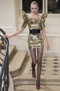 See the complete Saint Laurent Fall 2016 Ready-to-Wear collection.