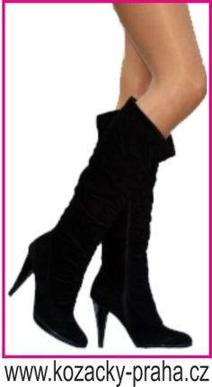 Snow Boots, Heels, Fashion, Eye Circles, Heel, Moda, Snow Boots Outfit, Fashion Styles, Snow Boot