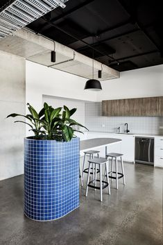 Made For completed the offices for urban planning and design firm, Ratio Consultants, located in Melbourne, Australia. Ratio engaged Made For. Corporate Interiors, Office Interiors, Beautiful Kitchens, Cool Kitchens, Golden Ratio, Workplace Design, Study Office, Kitchen Interior, Interior Office