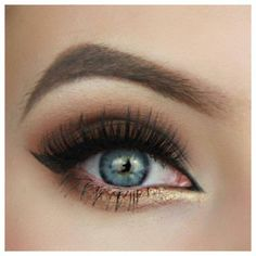 Gold and copper smokey eye! Great makeup for blue and green eyes :) Step by step…