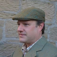 Hunters Tweed Golspie Cap In Inchnadamph Tweed Flat cap with deep back and crown Finished in the traditional way with Hessian interlining and