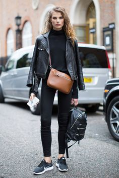THE BEST OF THE IMPRESSION'S LONDON FASHION WEEK MODELS OFF-DUTY STREET STYLE SPRING 2017