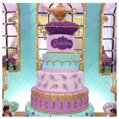 Disney princess cakes don't get much prettier than these magical desserts! They're the kind of birthday cake that any little princess will love! Aladdin Birthday Party, Aladdin Party, Disney Birthday, Girl Birthday, Birthday Parties, Cake Birthday, Princess Jasmine Cake, Disney Princess Party, Princess Cakes