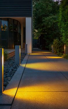 The led Opal path way fitting looks stunning in action. Clean contemporary lines and a modern silver finish makes this a great looking light. Outdoor Gardens, Indoor Outdoor, Outdoor Decor, Landscape Lighting, Outdoor Lighting, Garden Post Lights, Exterior Tiles, Tecno, Floor Design