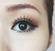 Mascara #HowToApplyMascara Mascara Tips, How To Apply Mascara, Scary Photos, Happy Skin, Moisturizer With Spf, Puffy Eyes, Prevent Wrinkles, Eye Gel, Combination Skin