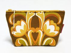 Floral Makeup bag - zippered retro cosmetic pouch - handmade with love from vintage fabrics.  - pinned by pin4etsy.com