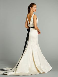 Jim Hjelm-Mermaid Wedding Dress with V-Neck Neckline and Natural Waist Waistline.  Style Number:32536492.  $2000+