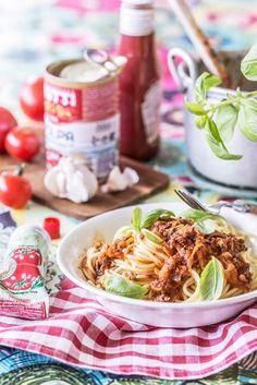 Soijabolognese | Maku Vegetarian Food, Ethnic Recipes, Vegetarian Cooking, Vegan Food, Vegetarian Meals, Veggie Food, Vegetarian Wedding Food
