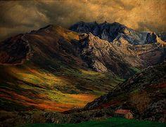 Picos de Europa (Asturias, #Spain) #mountains