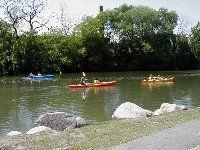kayaking down Chicago river