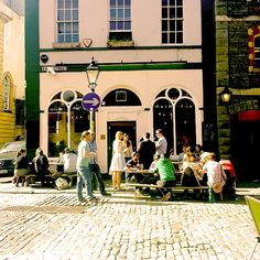 A small #bar on the corner of King Street. #quiet road with a nice #atmosphere for a nice quiet #drink #bristol #summer #relax #relaxing