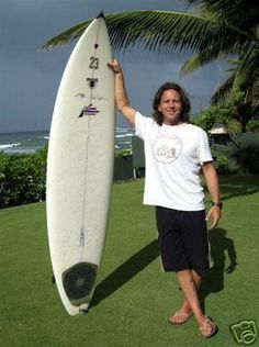 Eddie Vedder.....makes me love surfing even more! Now I wonder if he rides longboards, too.....