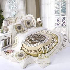 bedding set duvet cover pillowcase bed sheets pure versace modern beautiful design soft and pleasing cotton will fit Cotton Bedding Sets, Bed Linen Sets, Duvet Bedding Sets, Bed Duvet Covers, Luxury Bedding Sets, Bed Sets, King Comforter, Modern Bed Sheets, Cheap Bed Sheets