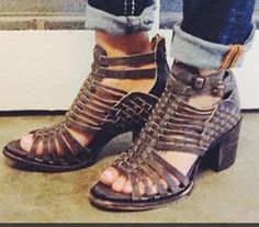 Add this strappy leather sandal with a pair of cuffed denims for any style.