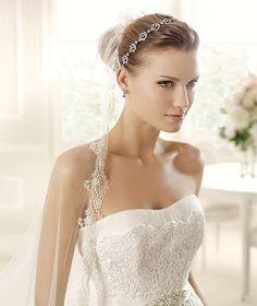 MIQUELA » Wedding Dresses » 2013 Glamour Collection » La Sposa (close up)