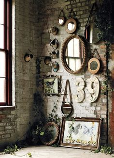 6 Unique Tips AND Tricks: Wall Mirror Interior Chairs wall mirror interior frames.Wall Mirror Design Benches wall mirror entry ways stairways.Tall Wall Mirror Home Decor. Rustic Wall Mirrors, Vintage Mirrors, Wall Of Mirrors, Small Mirrors, Rustic Walls, Deco Design, Hall Design, Home And Deco, Exposed Brick