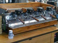 Discount Espresso Machines are available in several ways. You have a favorite method of making the espresso or perhaps something that offers a distinctive taste Coffe Machine, Home Coffee Machines, Espresso Coffee Machine, Espresso Bar, Italian Espresso, Coffee Shop Bar, Coffee Shop Design, Coffee Cafe, Coffee Is Life
